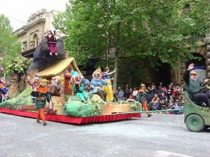 Snow White Float (wikipedia.com)
