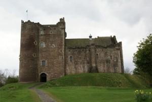 Doune Castle (wikipedia.com)