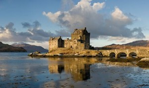 Eilean Donan Castle (wikipedia.com)