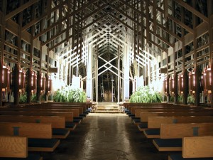 (photo from Thorncrown Chapel website)