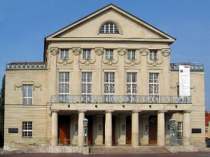 Weimar National Theater (wikipedia.com)