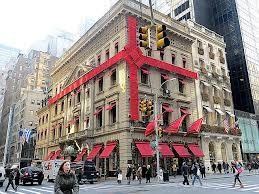 Fifth Avenue Decorations (flickr.com)