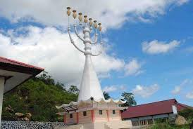 World's Largest Menorah (twitter.com)