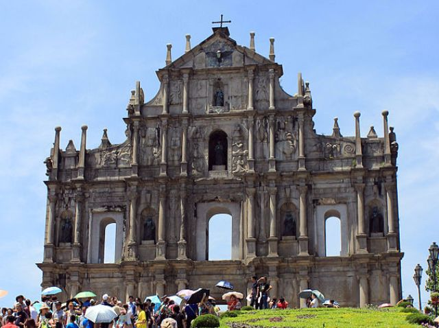 RUINS OF ST. PAUL'S CATHEDRAL - The Complete Pilgrim - Religious Travel Sites