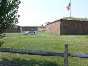Fort McHenry (wikipedia.com)